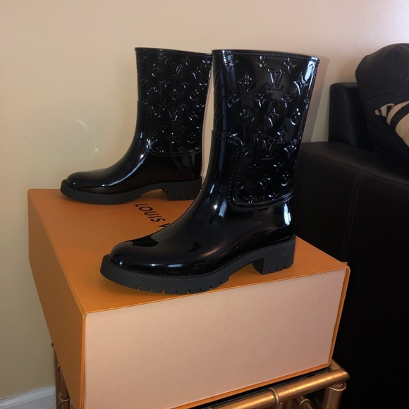 3096421bb1 Brand New Louis Vuitton Drop Flat Half Boots NWT